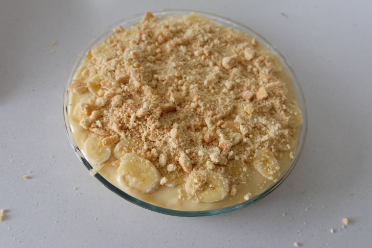 And then a layer of crushed up shortbread cookies